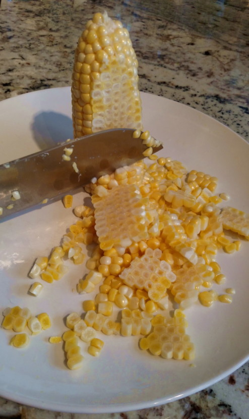 How To Cut Corn Off the Cob - Fast, easy and clean! | BaconFatte.com