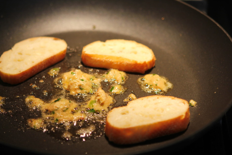 Savory Salmon Butter Toast recipe from BaconFatte.com @baconfatte