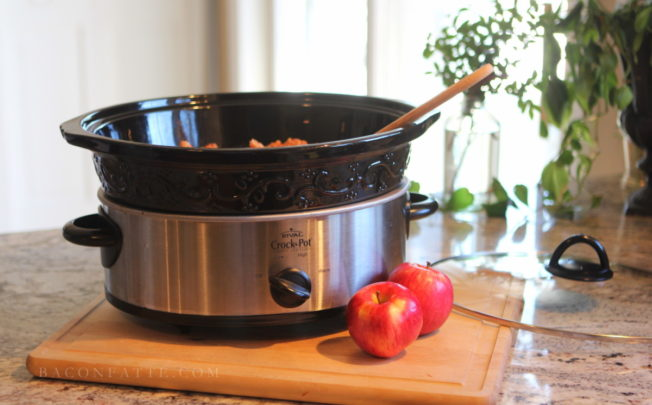 One Ingredient Slow Cooker Applesauce