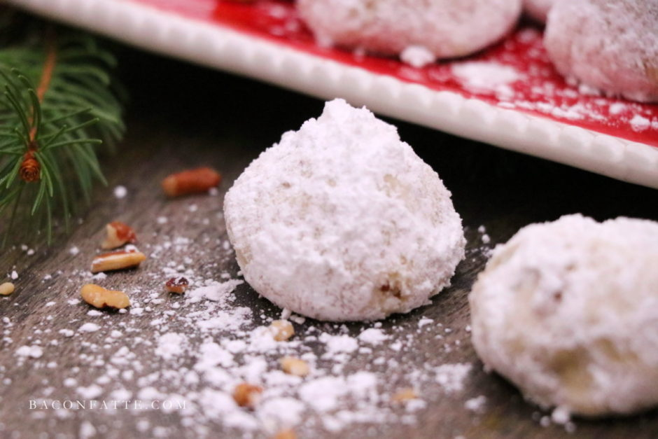 Mexican Wedding Cookies recipe - BaconFatte.com