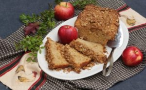 Apple Pie Bread with Oatmeal Crumb Topping – BaconFatte.com