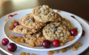 Oatmeal Cookies with Cranberries, Golden Raisins and Five Spice – BaconFatte.com
