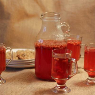 Warm Spiced Raspberry Apple Cider